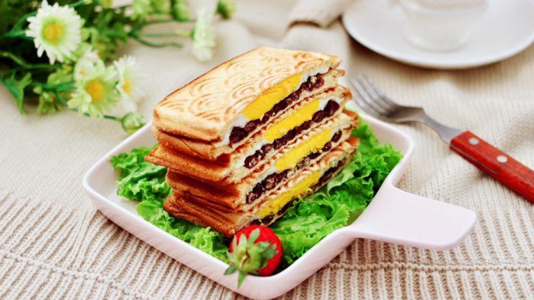 鸡蛋蜜豆热压三明治,成品