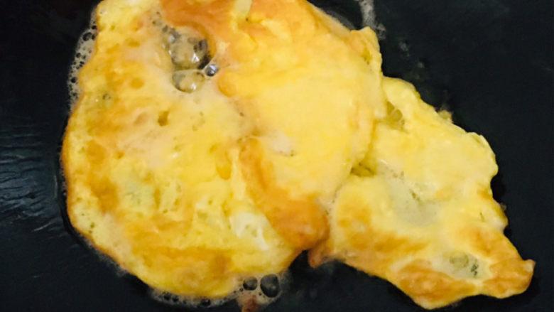 丝瓜蛋汤,煎两面金黄~
