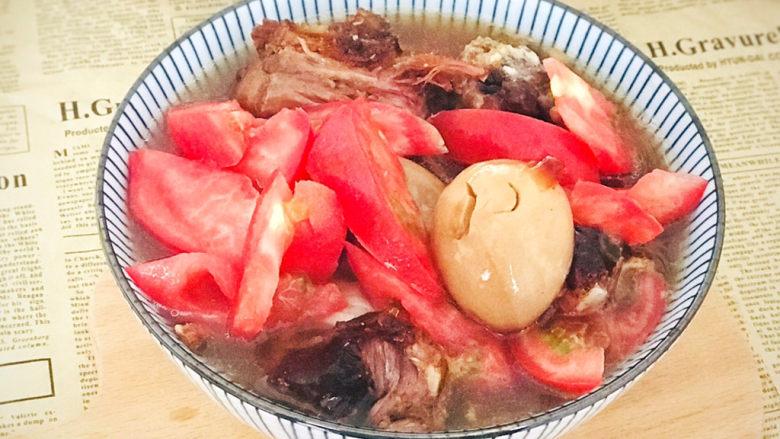 五香酱牛肉,用牛肉汤做一碗面,加个卤蛋,切片西红柿,再将牛肉片码放进去,就是一碗美味的牛肉面了