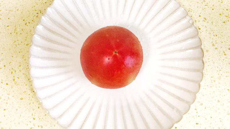 一个人的趣味早餐—笑脸吐司,<a style='color:red;display:inline-block;' href='/shicai/ 3551'>西红柿</a>洗净