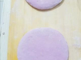 紫薯发面饼,擀成饼