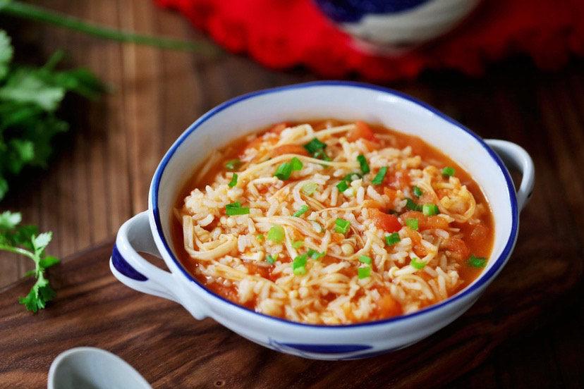 番茄金针菇烩饭