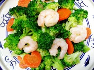 减脂系~凉拌虾仁西兰花胡萝卜,蔬菜蛋白质最佳搭配的低热量代餐菜式。