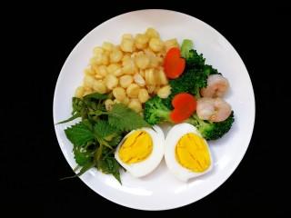 减脂系~凉拌虾仁西兰花胡萝卜,今日减脂早餐的配菜。