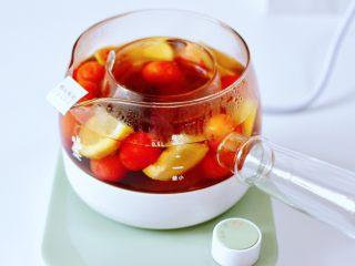 玫瑰水果小种红茶,大火煮1分钟左右。