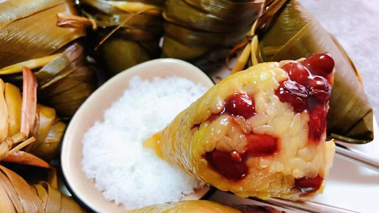红豆粽子,粽子一定要搭配白糖一起吃才算是完美的标配