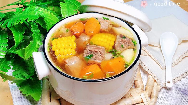 胡萝卜玉米排骨汤,一碗鲜美的靓汤就上桌了!