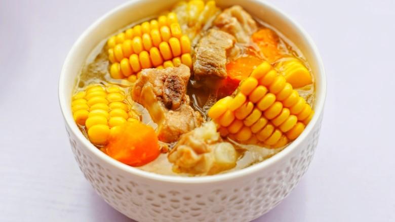 胡蘿卜玉米排骨湯 ~
