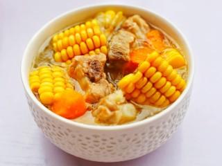 胡蘿卜玉米排骨湯 ~,成品。
