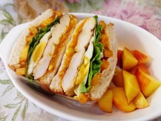 甜玉米鸡胸肉全麦三明治