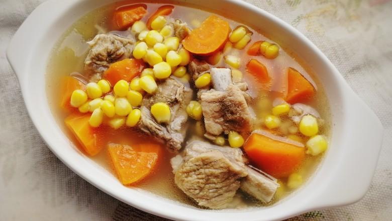 胡萝卜玉米排骨汤,胡萝卜玉米排骨汤,色味俱佳。