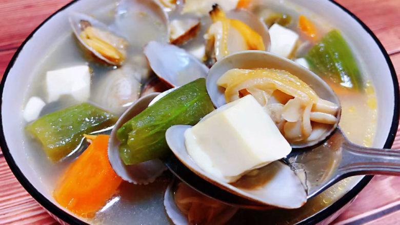 丝瓜花蛤汤,豆腐嫩嫩的入口即化