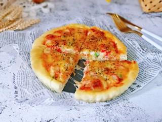 培根火腿披萨,切开啦,秀色可餐,让人垂涎欲滴有没有?