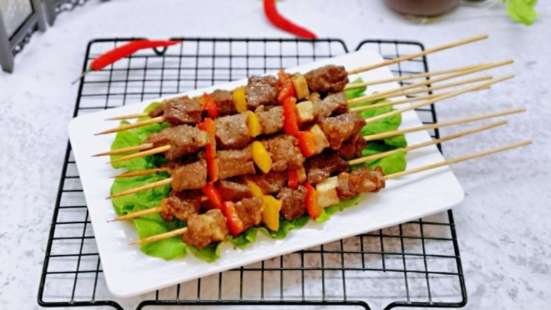孜然羊肉串,羊肉串出炉啦!健康又好吃。