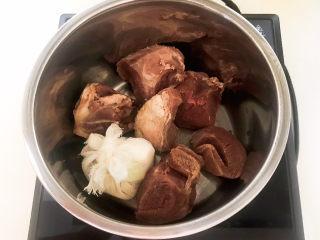 白切羊肉,加入料包