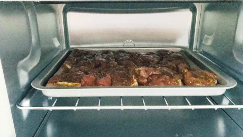 椒盐里脊,送进烤箱,200度,15分钟