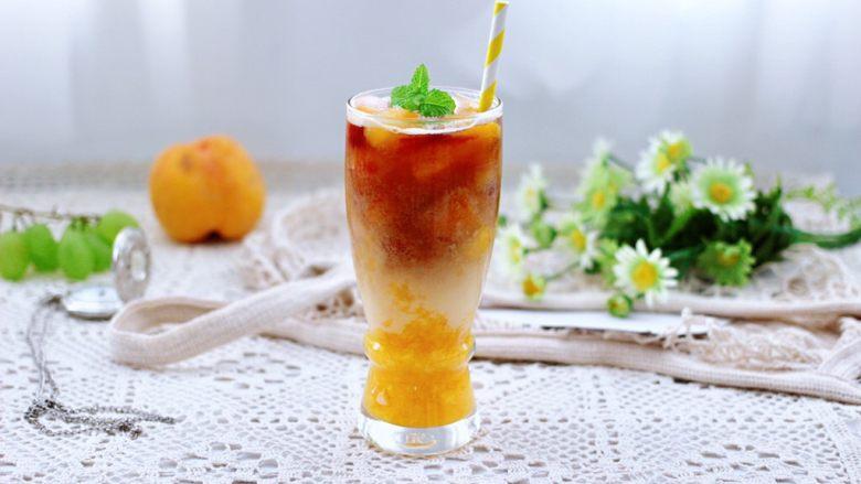 黄桃养乐多冰咖啡