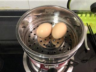 蒜泥黄瓜➕绿树阴浓夏日长,煮粉丝时阿晨同时蒸上鸡蛋