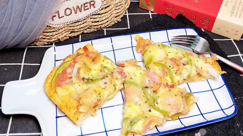 培根火腿披萨,先来一张成品图,食欲满满啊!