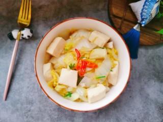 娃娃菜炖豆腐,装盘即可食用