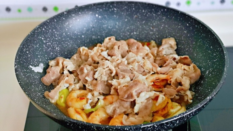日式肥牛饭,再加入焯水的肥牛卷。