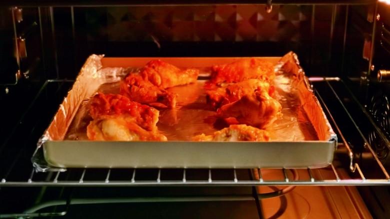 新奥尔良烤鸡腿,入烤箱中层,上下加热管190度烤20分钟。