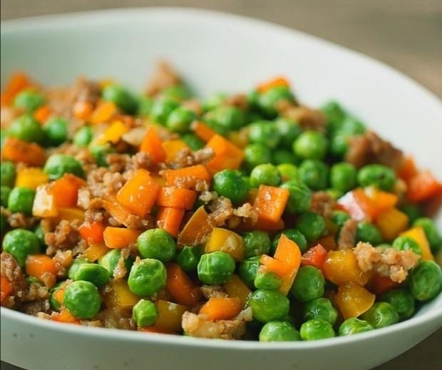 肉末炒豌豆,成品图