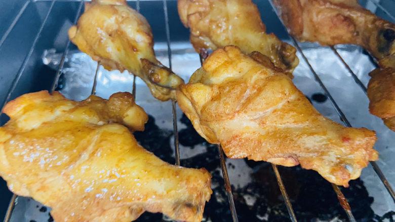 新奥尔良烤鸡腿,烤好后的新奥尔良鸡腿,香味扑鼻