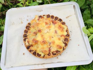 花边双肠披萨