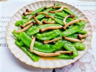 荷兰豆炒菌菇