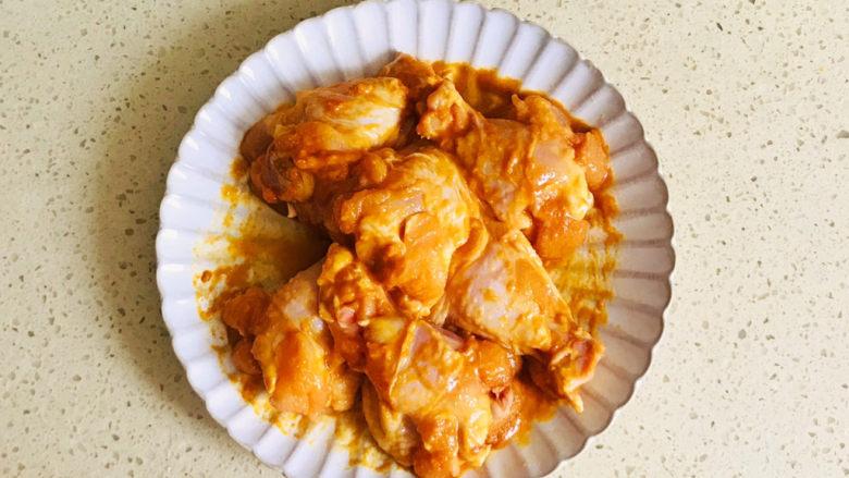 新奥尔良烤鸡腿,全部搅拌均匀后,静置最少两个小时以上