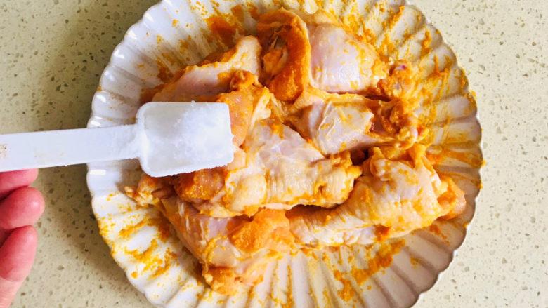 新奥尔良烤鸡腿,撒上盐调味