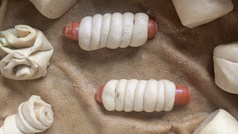 香肠馒头卷,二次发酵20分钟