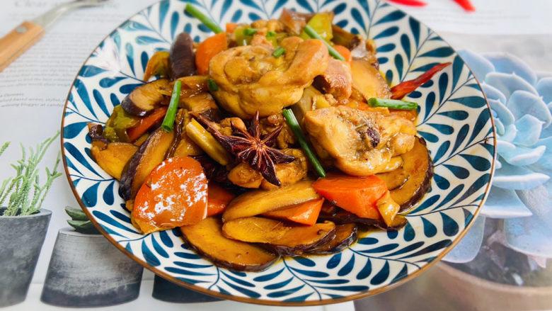 香菇焖鸡,成品图