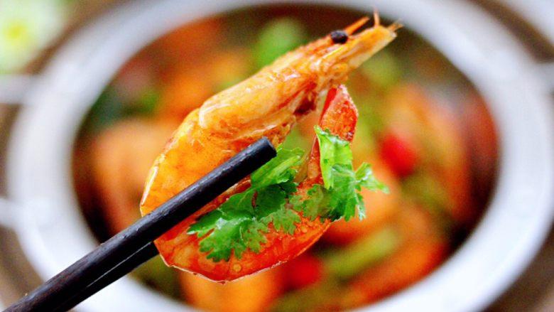 芸豆丝爆虾,鲜香味浓郁,好吃到停不下来。