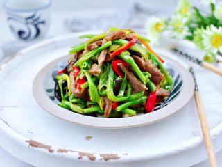 梅花肉炒黄花菜