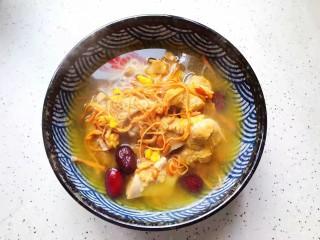 虫草花排骨汤,装碗