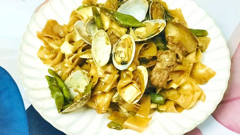 海鲜豆角焖面,非常美味的海鲜豆角焖面就做好了