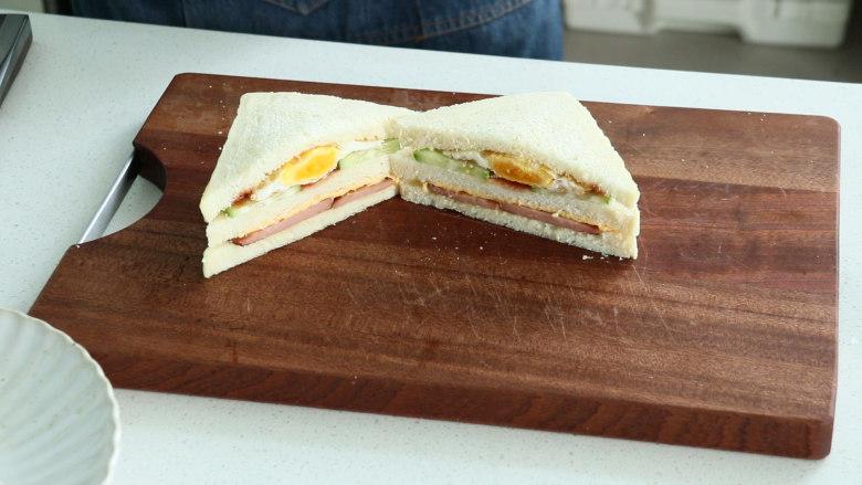 芝士火腿三明治,柔软牛奶吐司 奶香浓郁 无需机器 全手工操作的芝士火腿三明治