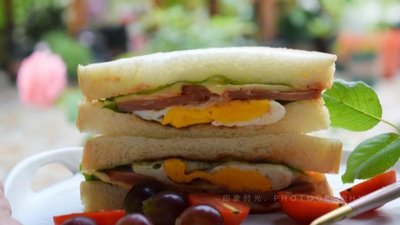 芝士火腿三明治,营养丰富,做法简单。