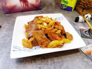 泡椒豬肝,家庭版泡椒豬肝裝盤開吃啦!喜歡的朋友可以試試哦。