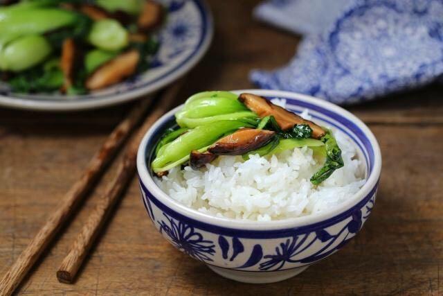 香菇炒青菜,一道简单美味、营养丰富的香菇炒青菜就做好了!