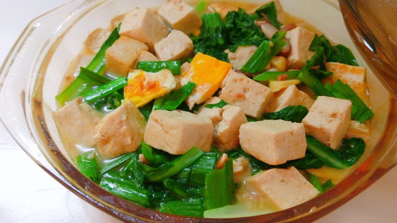 香菇炖豆腐,直接端上桌。