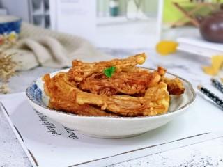 油炸金针菇,香酥香酥哒,好吃停不下来。