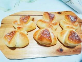 蝴蝶结面包