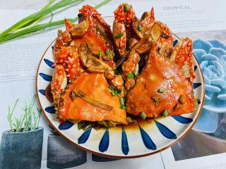 红烧梭子蟹,红烧梭子蟹鲜香浓郁,肉质细嫩、鲜美