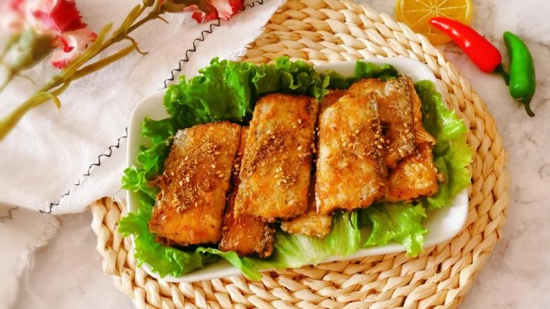椒盐带鱼,香香的椒盐带鱼就做好了 外酥里嫩  很美味。