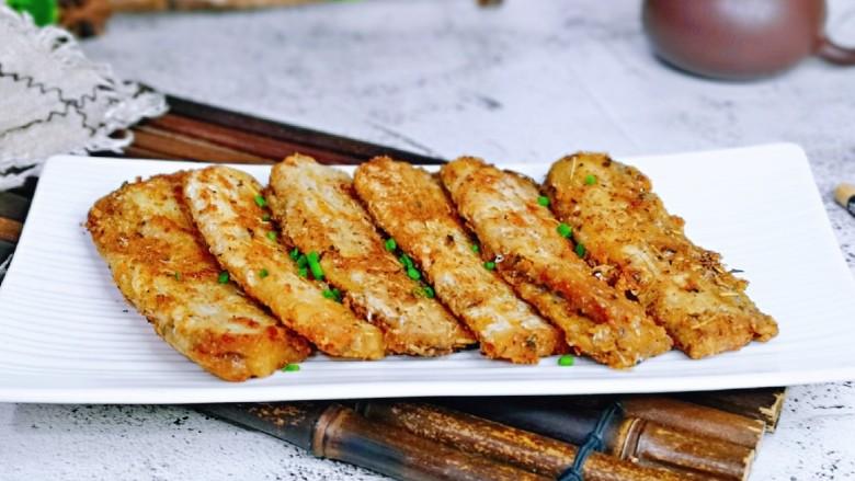 椒盐带鱼,健康又卫生。