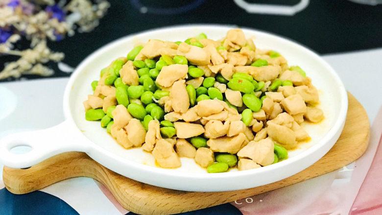 毛豆炒鸡丁,成品图