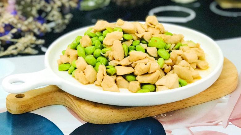 毛豆炒鸡丁,非常下饭的家常菜